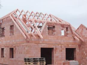 Jak postavit střechu